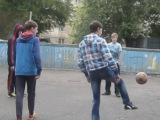 Наши мальчики играют в футбол*) Они у нас спортсмены*)