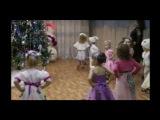 Появление Деда Мороза на празднике у малышей